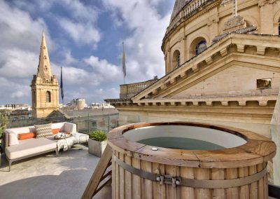 Rooftop Terrace with Jacuzzi