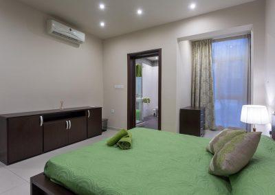 Lime & Kiwi Apartment