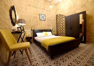 Antoine 1623 Queen Room