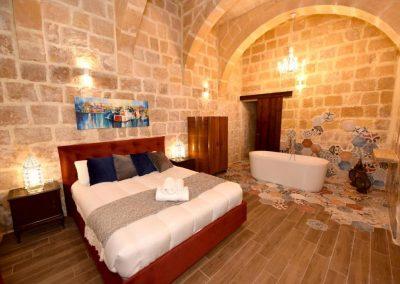 Jean 1557 Deluxe Queen Room